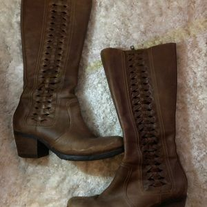 Born Shoes - Born leather boots